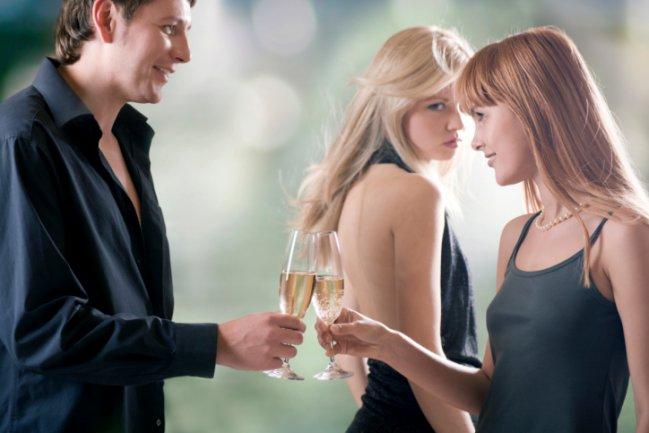 Conferencia sobre la infidelidad y los falsos matrimonios