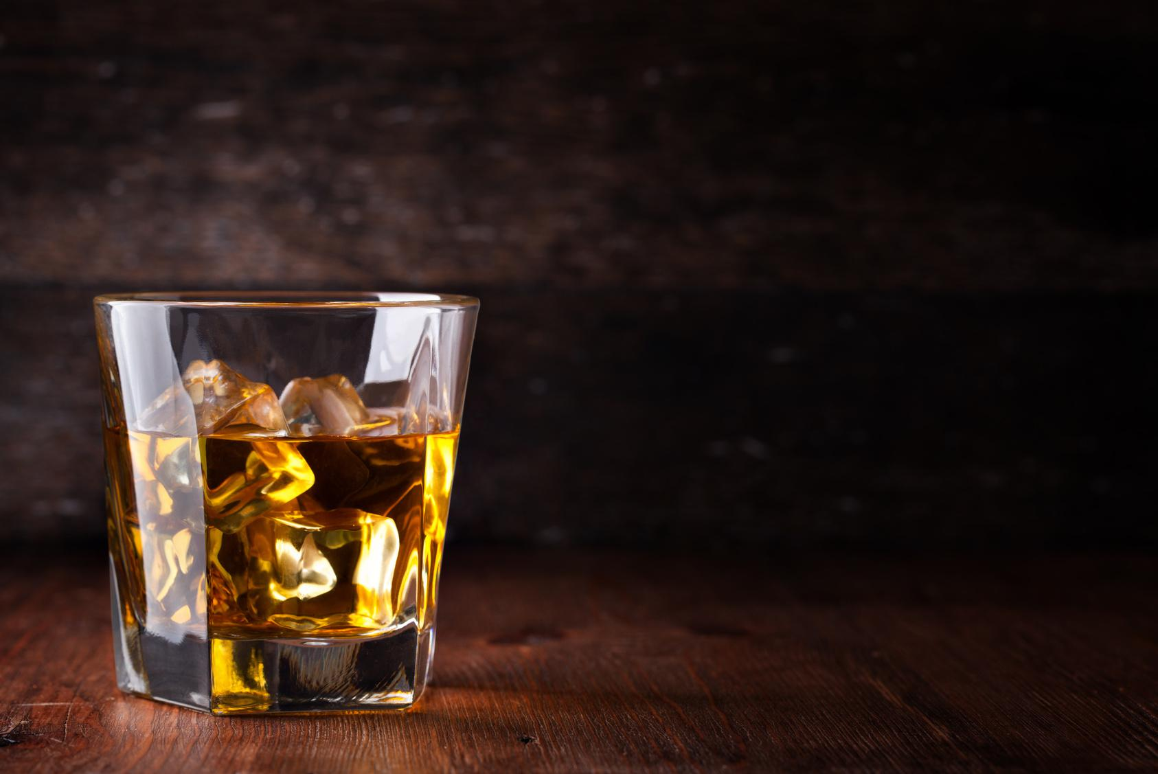 Conferencia sobre el efecto del alcohol en la salud cerebral