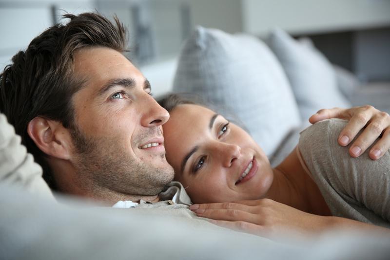 Conferencia sobre psicología del amor: lo que la mujer necesita de un hombre